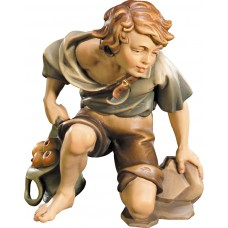 Herdsman kneeling 12 cm Serie Colored maple