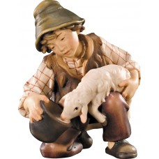 Boy with lamb at the well 12 cm Serie Colored maple